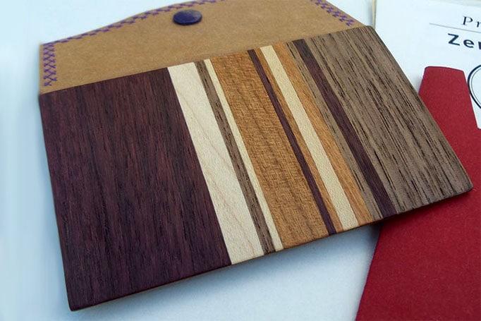 Aktentasche mit Intarsien aus Holz