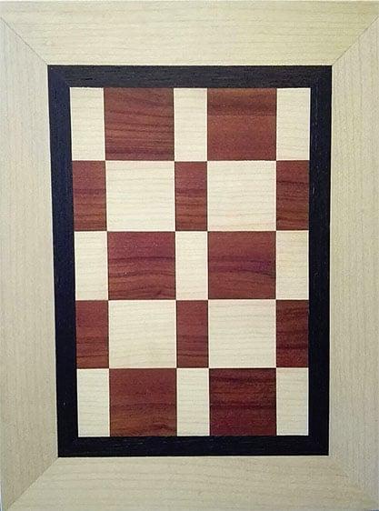 Bild aus Holz, verziert mit rechteckigen Einlegearbeiten